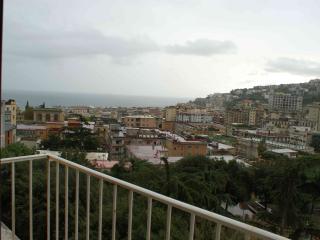 appartamento zona chiaia, Naples