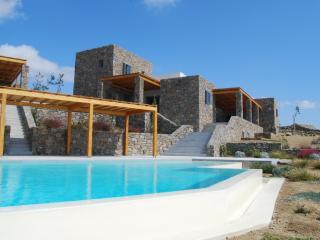 Villa Jasmine, Platys Gialos