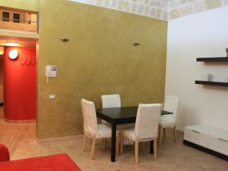 Taras home, city center, Taranto