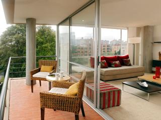 Airy 2 Bedroom Apartment in Santa Paula, Bogota