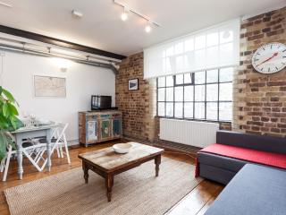 Stylish Warehouse Apt London Bridge, Londen