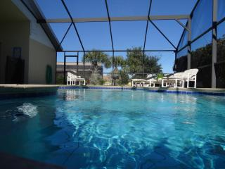 Fabulous over-size private pool and spa