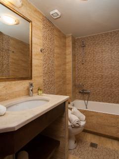 Ensuite bathroom upstairs!