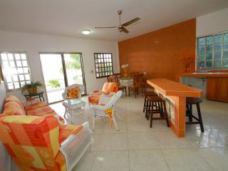 Villa Amanecer Cozumel  (6 guests)