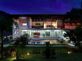 Luxury 8 bedrooms Villa Nap Dau for rent Phuket