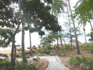 Beachfront 1 bedroom APT,Haad Khom,Chaloklum Ville, Ko Phangan