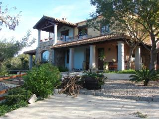 A LARGE VACATION HOME AT MARINA DI CARDEDU, Cardedu