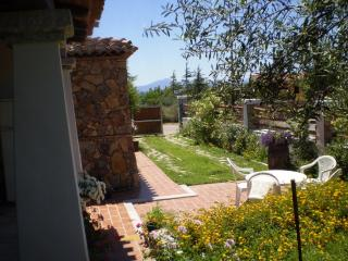 VACATION HOUSE WITH GARDEN AT 400 METERS FROM THE