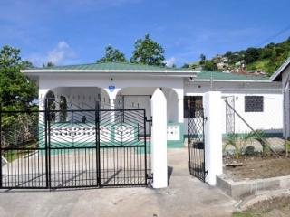 Toussaint's Hideaway, St. George's