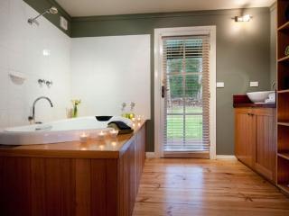 Finlie - Dedicated Spa Room