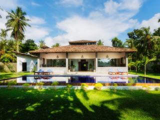 Gangananda, Stylish Boutique Villa by the river