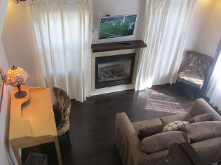 BUNGALOW BLISS - CONVENIENT, CHARMING, AND COZY, Pasadena