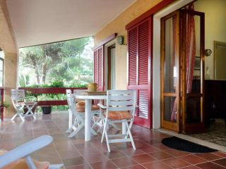 Sea view terrace apartment rental on Tuscany's Elba Island, sleeps 6, Portoferraio