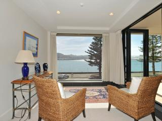 Silver Cloud Luxury Apartment, Wellington
