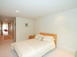 Queen Bedroom with Inbuilt Wardrobes