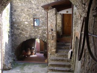 casa in pietra, Massa