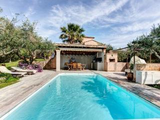 Villa in the Olive Groves of Roquemaure