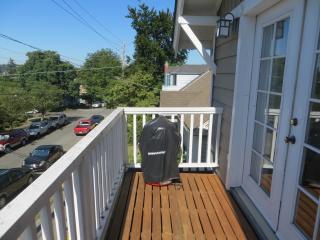 Wallingford Terrace - Lake Union & Downtown View