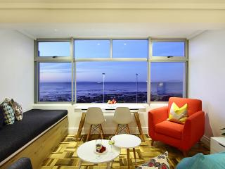 Paula's Sea Facing Studio, Cape Town Central