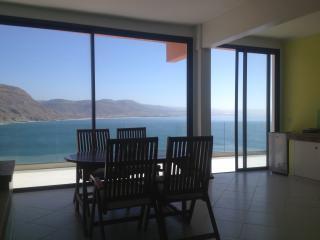 Wind house, vista stupenda. Avec piscine           sull'oceano
