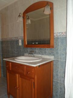 bathroom with bath/shower., bidet, toilet and sink