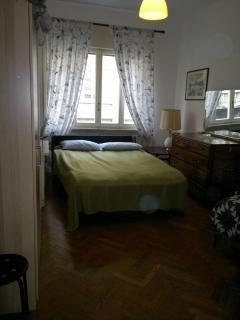camera con divano matrimoniale