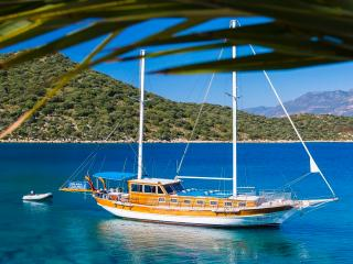 Private Crewed Blue Cruise in Kas- Kekova