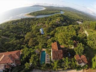 Elegant 6BR home- on seaside hill, tropical garden, views, infiniti pool, etc, Tamarindo