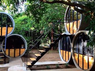 Pipe House Playa Grande ...hostel by the beach!!