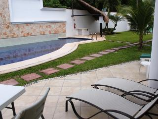 Luxury Playacar Villa Great Location Walk to Beach and 5th Avenue. Free Wi-Fi