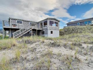 Beautiful, dog-friendly, oceanfront home w/ views of Haystack Rock, Pacific City