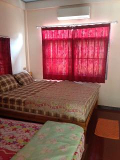 1 room has 1 double bed and 1 single bed