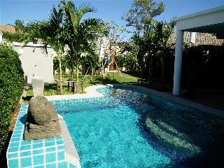 5-Star contemporary Villa next to Golf Course, Hua Hin