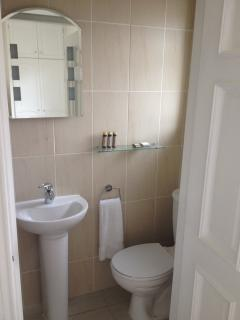 Ensuite shower and toilet - bedroom 2