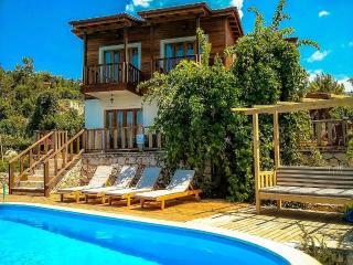 Holiday villa in islamlar / kalkan, sleeps07: 107, Islamlar