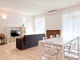 Big, central and bright apartment, Mailand