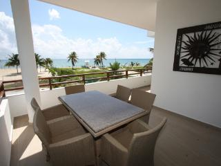 Scenic Ocean View Beach Side Suite - Casa Manana