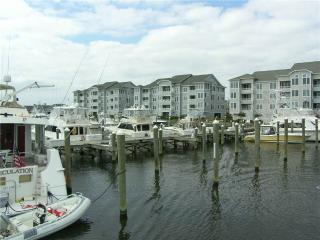 H4101-MARINA EXCITMENT, Manteo