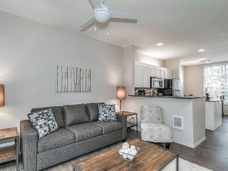 Stay Alfred Incredible 3BR Next to Waterfront MU3, Portland