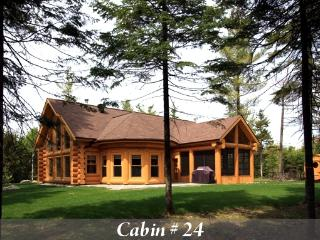 Luxury Quebec Log Cabin, Saint Sauveur des Monts