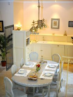 Cuisine et salle à manger, suite Baroque,