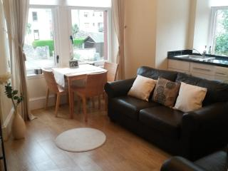 1 Bed Flat near Kames Beach, Millport, Cumbrae