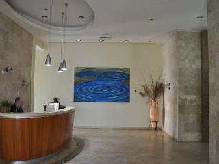 Studio on 20th floor 1 min to the sea Yoseftal 377