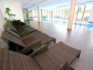 Free use of onsite spa including pool, sauna, wet room, infra red cabin