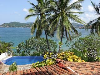 Romantic Villa on Zihuatanejo Bay *Seasonal Rates