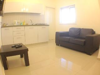 One-bedroom apartment near the Sea Sokolov 1211, Bat Yam