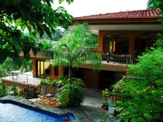 CasaTolteca -Your Private Luxury Estate Near Beach, Manuel Antonio National Park