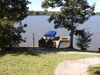 Newly Listed Lake House in Greensboro, Georgia