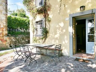 Charming house over Lucca hills, breathtaking view