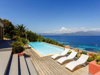 Amazing villa in Campomoro Bay